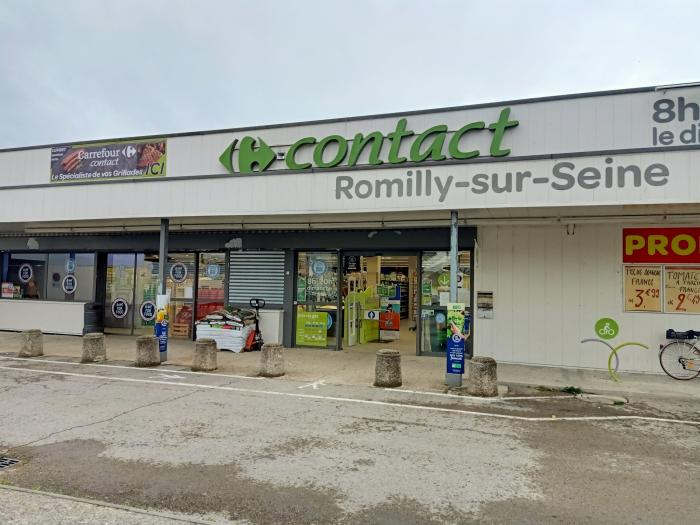 Non à la fermeture du Carrefour Contact de Romilly-sur-Seine